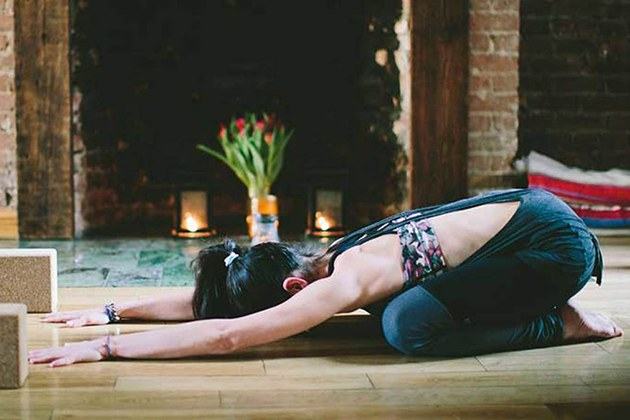 Tập Yoga buổi tối