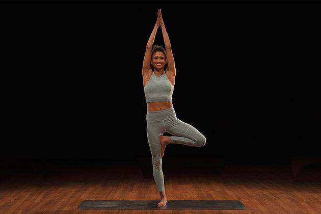 Tư thế Yoga cái cây