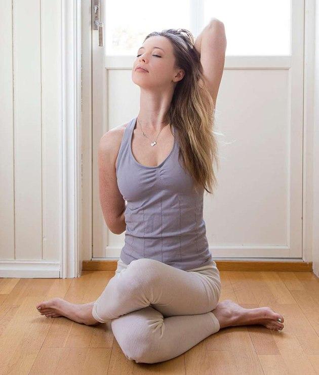 Tư thế Yoga mặt bò