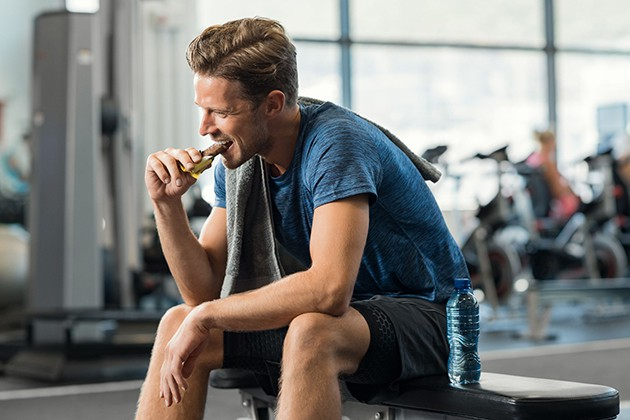Chia nhỏ bữa ăn khi tập Gym tăng cân