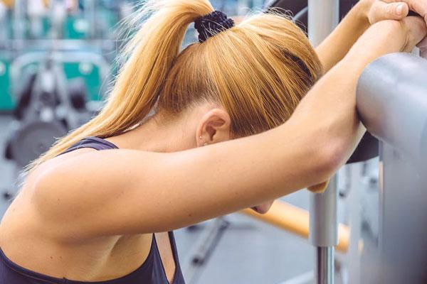 Chóng mặt khi tập gym