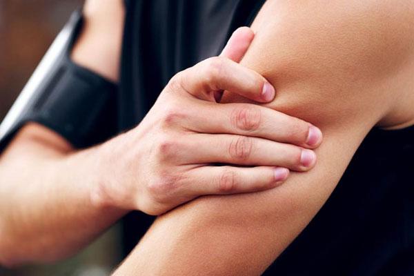 Bị co giật cơ bắp khi tập gym