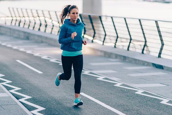 Chạy bộ buổi sáng có tác dụng giảm cân rất nhanh chóng