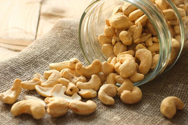 Hạt điều giúp quá trình chuyển hóa chất béo và carbs thuận lợi