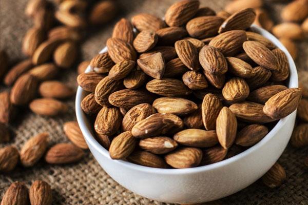 Hạt hạnh nhân giàu dinh dưỡng có tác dụng giảm cân hiệu quả