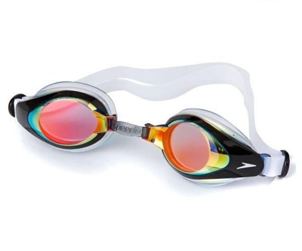 Các sản phẩm kính bơi của Speedo rất hiện đại