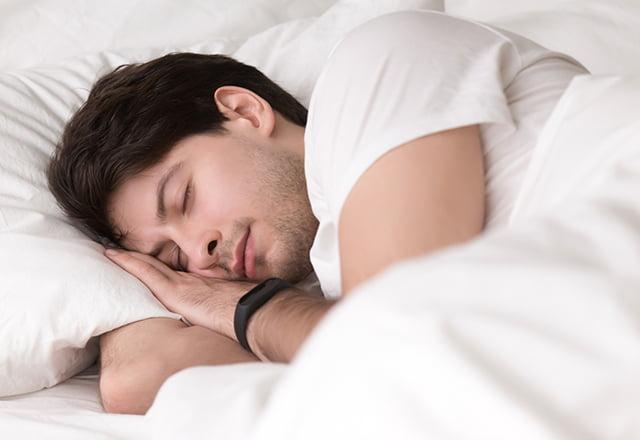 Chạy bộ buổi tối giúp bạn có giấc ngủ ngon hơn