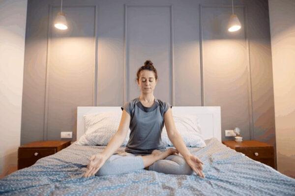Hít thở đúng cách trong massage yoni