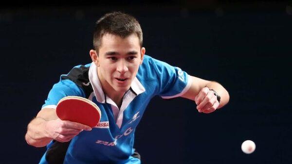 Tay vợt Hugo Calderano
