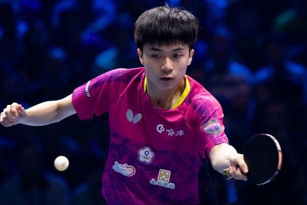 Tay vợt Lin Yun Ju